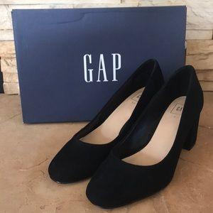 ⬇️Price Drop⬇️NWOT GAP Heels